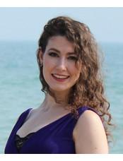 Roseanna - Classical Singer & Versatile Vocalist